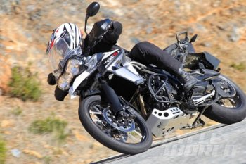 """Triumph Tiger XRx 800 """"con hổ"""" lạc đàn"""