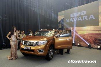 Soi nội thất trên 3 phiên bản của chiếc Nissan NP300 Navara