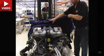 Bí mật cách lắp ráp động cơ Bugatti Veyron