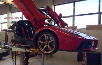 """Ferrari """"âm thầm"""" thu hồi 499 siêu xe LaFerrari"""