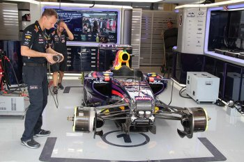 Red Bull dọa bỏ F1