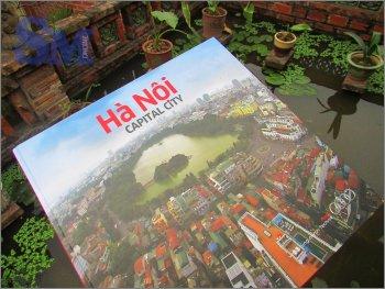 Lặng nhìn Hà Nội qua 300 trang sách ảnh
