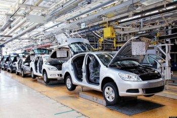 Giá xăng dầu giảm và xung đột Ukraine định hình lại ngành công nghiệp ôtô