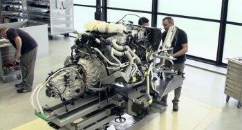 Tận mắt xem lắp ráp chiếc Bugatti Veyron cuối cùng