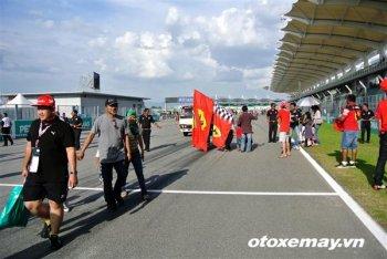Vettel tìm lại hương vị chiến thắng