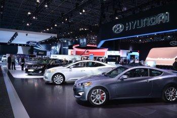 Một góc nhìn lạ của triển lãm New York Motor Show 2015