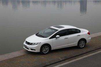 Honda Civic 2015 lột xác về thiết kế