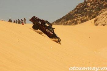 """Đã mắt với """"Fast & Furious"""" trên đồi cát Ninh Thuận"""