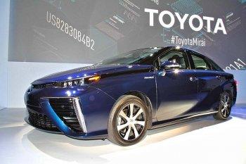 Toyota cung cấp nhiên liệu miễn phí cho khách hàng Mirai