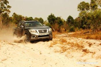 Nissan NP300 Navara mạnh mẽ trên mọi địa hình