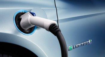 Người trẻ có xu hướng yêu thích xe ôtô động cơ điện