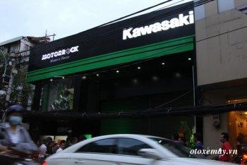 """Kawasaki Nhật Bản tuyên bố không """"phục vụ"""" xe ngoài lề tại Việt Nam"""