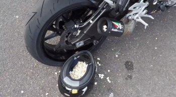 Nổ bỏng ngô bằng pô xe máy