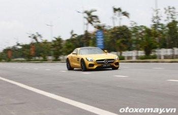 """Xem siêu xe Mercedes AMG GT S """"gầm rú"""" ở Hà Nội"""