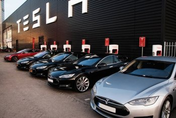 Model S mới của Tesla bị chê