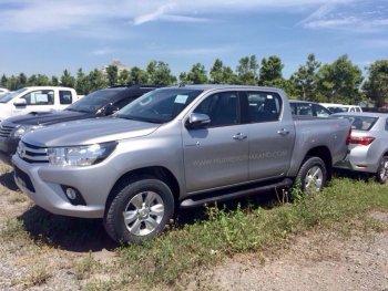 Toyota Hilux Revo xuất hiện đầy đủ trước ngày ra mắt