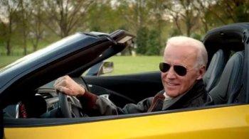 Phó Tổng thống Mỹ chê xe Đức không bằng xe Mỹ