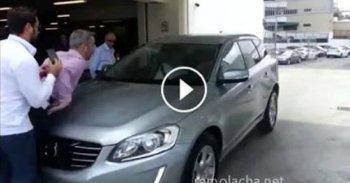 Đỗ xe tự động, xe Volvo gây tai nạn