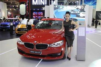 Nửa đầu tháng 5/2015, người Việt tốn gần 184 triệu USD cho xe nhập khẩu