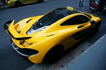 Siêu xe McLaren P1 triệu đô đi làm taxi