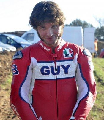 """I.O.M TT 2015:  Guy Martin – """"trước khi đua, tôi uống trà"""""""