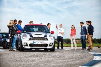 MINI Driving Experience 2015 – trải nghiệm cảm giác lái MINI