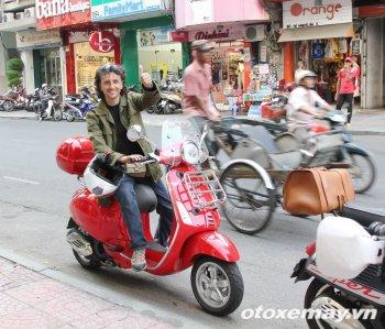 """Gặp """"thánh phượt"""" người Ý tại Sài Gòn"""