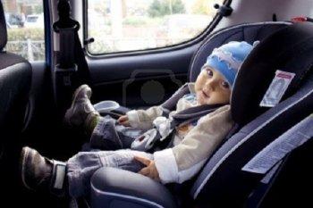 Ghế ngồi cho trẻ thế nào mới an toàn trên xe hơi?