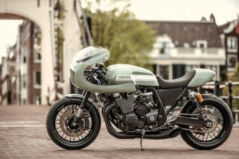 Yamaha XJR1300 café racer đong đầy tình bạn 20 năm