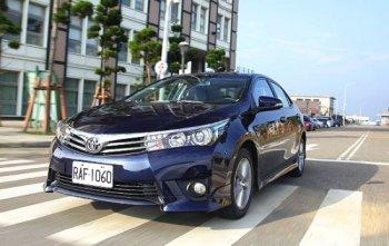 Toyota Corolla giành lại ngôi vương từ Ford Focus