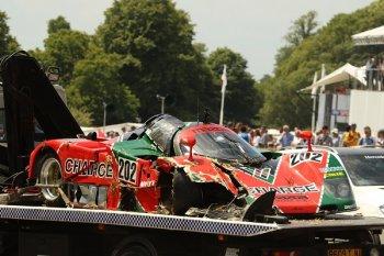 """Mazda 767B """"diễu kiểng"""" ở Goodwood Festival of Speed cũng dính tai nạn"""