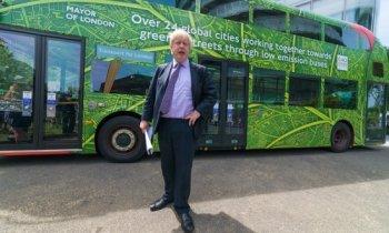 Xe bus hai tầng chạy điện đầu tiên trên thế giới lăn bánh