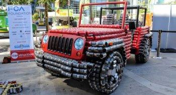 'Lính chiến' Jeep Wrangler 'độ' từ 4.500 lon thực phẩm
