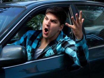 """Những lái xe khiến bạn """"ngứa mắt"""""""