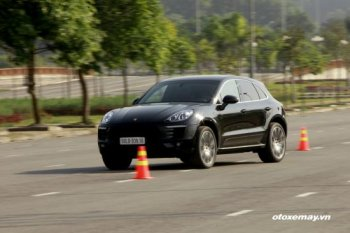 """Macan tiếp tục giúp Porsche """"bay cao"""""""