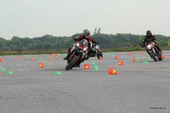 """Xem dàn môtô Ducati """"quần thảo"""" đường đua thu nhỏ ở Hà Nội"""