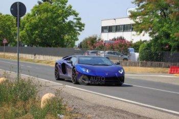"""Xuất hiện ảnh Lamborghini Aventador SV Roadster không """"áo giả trang"""""""
