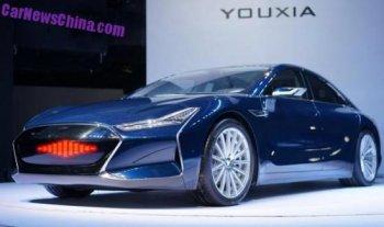 'Hàng khủng' Tesla Model S bị nhái trắng trợn ở Trung Quốc