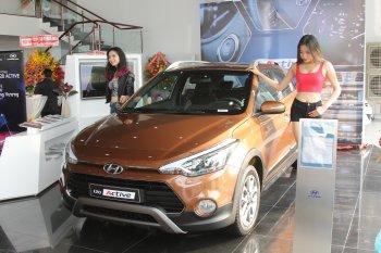 Hyundai i20 Active mới giá 619 triệu đồng