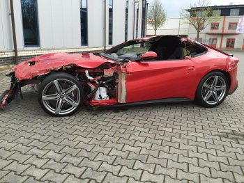 Ferrari 'đồng nát' hét giá gần 2 tỷ đồng