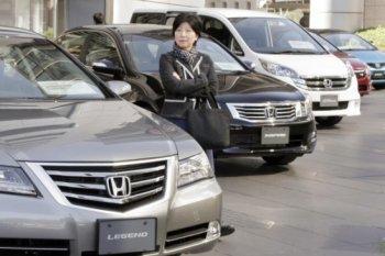 Thị trường xe hơi Nhật rơi vào cảnh khốn đốn