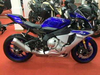Yamaha YZF-R1 ra mắt phiên bản giá rẻ