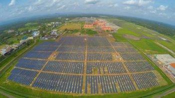 Sân bay năng lượng mặt trời đầu tiên trong lịch sử