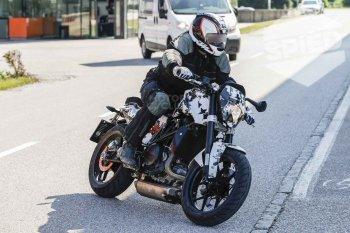 Xuất hiện ảnh thật KTM Duke 800 trước ngày ra mắt