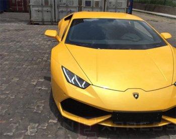 Siêu xe Lamborghini Huracan LP610-4 màu vàng đầu tiên về Việt Nam