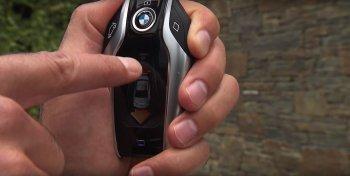Chức năng tự đậu xe của BMW Series 7 có hữu dụng ở Việt Nam?