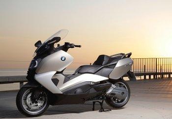 Loncin Trung Quốc mượn danh BMW sản xuất scooter