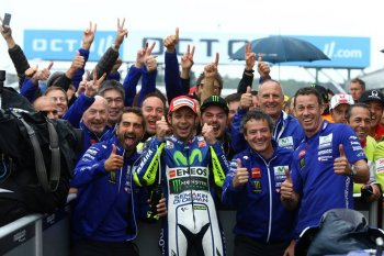 """Chặng 12 MotoGP 2015: """"kinh nghiệm"""" lên ngôi"""