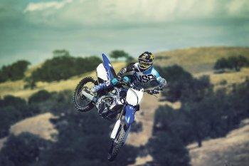 Yamaha YZ250F: Vua của những khúc cua địa hình