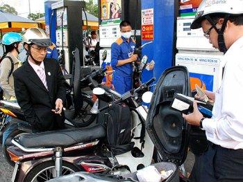 Giá xăng A92 xuống còn hơn 17.000 đồng/lít từ 15h chiều nay